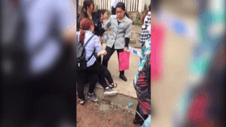 重庆一山体滑坡致老人小孩受伤 现场哭声不断