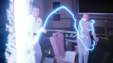 女船员被神秘闪电击中, 变成了机器生命体的傀儡, 速看科幻电影《星际旅行: 无限太空》