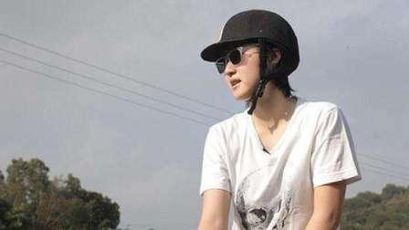 小龙女国外流浪要找爸爸 马蓉好友称她没有出轨