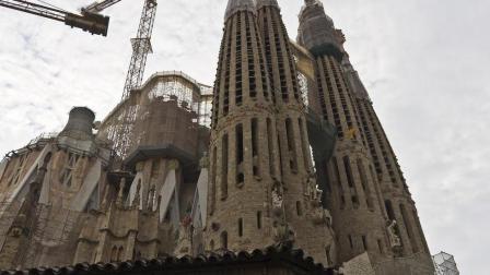 厉害了! 这座楼盖了136年还没建成, 却被列为世界遗产!