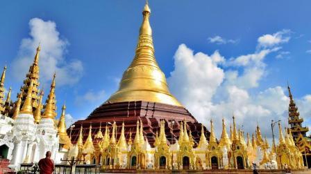 史上最奢侈的塔, 塔身足足用了7000公斤金子, 7000颗宝石!