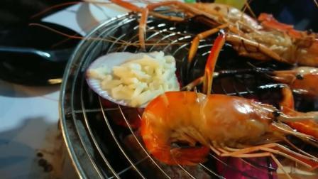 泰国路边海鲜自助餐大排档, 不限时间吃, 个个都是鲜活的大龙虾, 真是吃货的天堂啊!