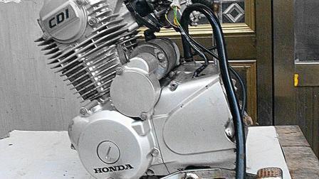 实拍: 豪爵150高速链条发动机暴力试机!