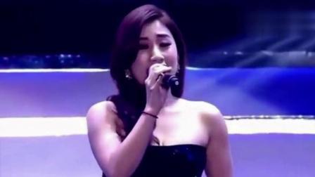 她曾凭借这首歌在好声音的舞台上一炮而红, 现场不输原唱!