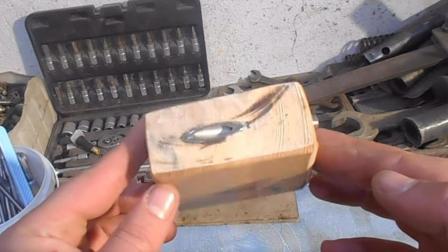 老外自制小工具轻松搞定斜钉, 30年老木工看了只能笑笑不说话!