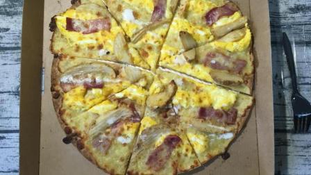 必胜客终于知道世界上不仅仅有美式pizza 必胜客薄脆薯角培根pizza【凌乱男子的食品铺】