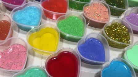 把几十种不同颜色的橡皮泥混合在一起, 能做出彩虹橡皮泥吗?