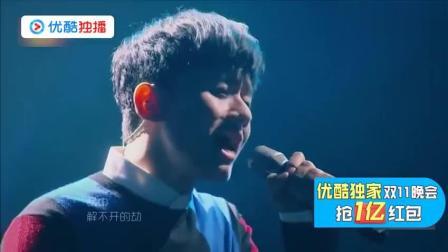 张杰大展歌喉翻唱那英的《默》, 唱哭观众, 声音透过身体直击心窝
