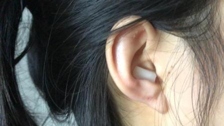 洋葱切1块放在耳朵里, 第二天的变化明显, 看完这招您会感谢我的