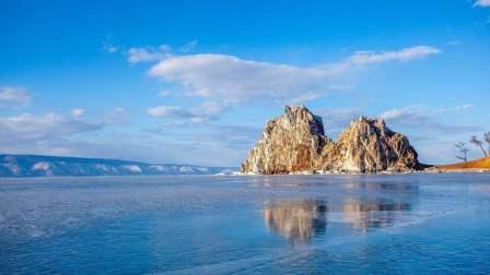 穿越欧亚大陆第五集:听着李健的《贝加尔湖畔》,我们真的来到了俄罗斯贝加尔湖