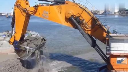 世界最大的反铲斗挖泥机, 港口都要被挖漏了!