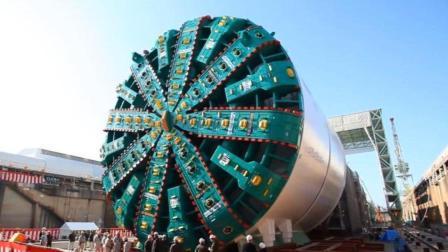 世界最大隧道挖掘机, 重达7000吨, 网友: 能挖穿地球吗?