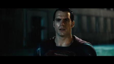 蝙蝠侠大战超人: 蝙蝠侠超人雨中大战三百回合
