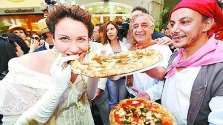 """世界最好吃的披萨! 这个城市被披萨""""统治"""", 地位堪比煎饼果子!"""