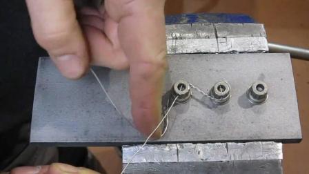 火箭震动那么大, 螺栓为啥不会松? 这根小小的钢丝是关键!