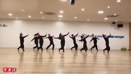 中老年人跳蒙古民族舞《乌兰巴托的夜》, 比广场舞美多了