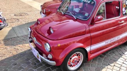 菲亚特500微型车 多种车型街头巡游 - 意大利