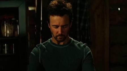 《无敌浩克 普通话版》  隐居异国控制能力 钢铁侠惊喜客串