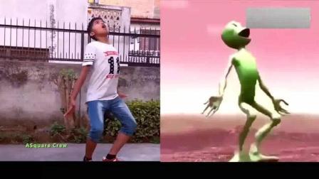 尼泊尔孩子挑战外星人舞, 太魔性了