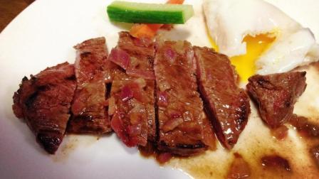 为什么煎牛排三分钟就能做熟, 而炖牛肉一个小时也炖不烂?