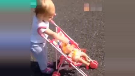 如果生了孩子不是为了玩那将毫无乐趣。外国小孩爆笑集锦!