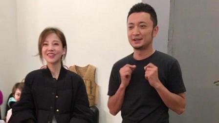 冯提莫和央视主持人后台即兴表演, 网友纷纷为尼格买提的站姿点赞