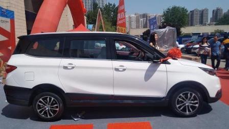 实拍福田汽车首款7座跨界SUV, 伽途GT7.99万起售