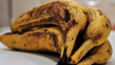 香蕉变黑还能吃吗? 简单一招, 放上一个星期都不会发黑