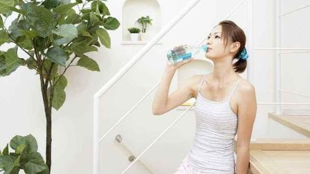 喝对早晨这杯水, 美容养颜还能减肥《杨雄有时间》第79期