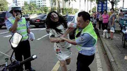 女司机连扇交警多个耳光, 叫嚣交警: 有证也不给你看! 路人怒了!