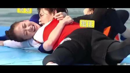 尹正陈乔恩水台浪漫偶像剧, 吴磊为达目的一把推下两人!