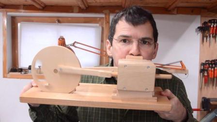 自制木质发动机, 转速高达10000转, 转这么快不怕烧糊木头吗?