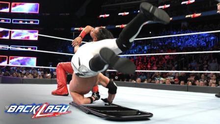 【爆裂震撼大赛 2018】WWE冠军无规则赛 中邑真辅翻摔将AJ砸向铁椅