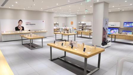 小米之家香港开业,万人空巷十分火爆,旁边的苹果专卖店看傻眼!