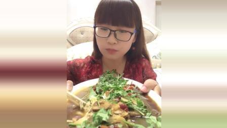 芝士大波龙美食小吃, 鲜虾肉满口香, 请问这样的海鲜贵吗