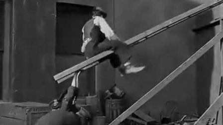 搞笑视频: 卓别林经典搞笑喜剧, 乐死我了。