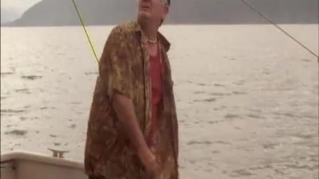 《北海巨妖》巨妖重现海域 老船长被活活吃掉
