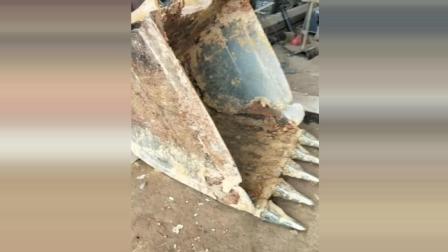 挖掘机老板的无奈, 改造挖斗 这下又要花几万块?