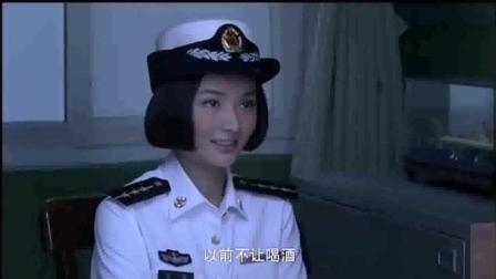 火蓝刀锋: 女兵告白蒋小鱼! 蒋小鱼却装傻充愣, 女兵生气: 蒋小鱼你是真傻假傻啊!