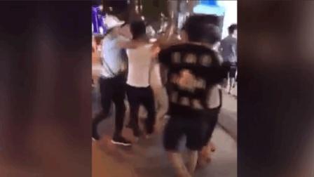 越南海鲜店高价宰客, 大陆游客和店家当街群殴?