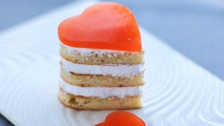 """爱心""""草莓奶油蛋糕""""蛋糕里面都是满满的爱, 又怎么会不美味呢"""
