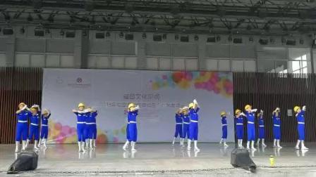 迎五一劳动节舞蹈: 广场舞健身操: 《自豪的建设者》