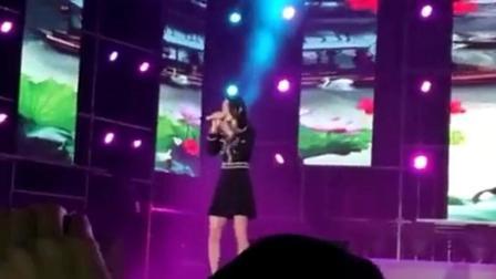张韶涵淋雨开演唱会, 美丽的《欧若拉》你就是永远!