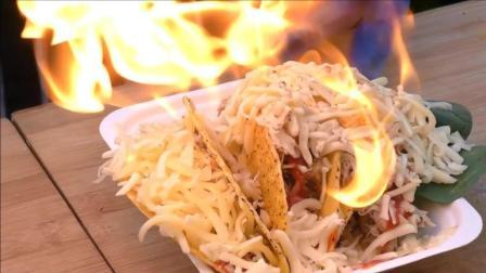 墨西哥鸡肉玉米卷, 芝士烤化后加上调味酱和蜜豆, 味道完美