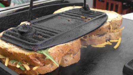 超大的吐司汉堡奶酪培根三明治苏格兰风格 - 伦敦
