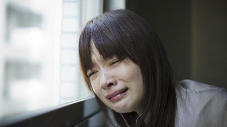 一首《碎心石》听了一整夜, 哭了一整夜, 句句伤感催人泪下心碎了