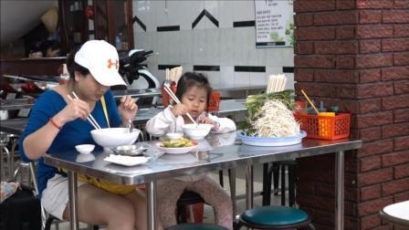炖了12个小时的牛肉, 汤鲜肉烂, 吃口粉喝口汤, 大人小孩都爱吃