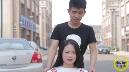 残疾女孩相亲遭小伙拒绝, 结果美女说了一句话, 小伙回心转意