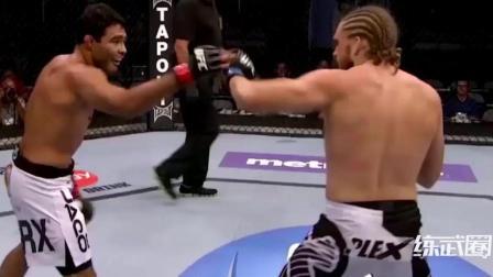 拳手在擂台上当面挑衅, 惨遭对手KO打脸!
