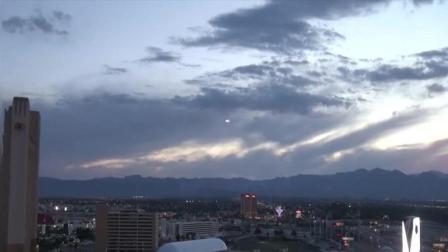某城市上空出现发光型圆盘 是UFO吗?